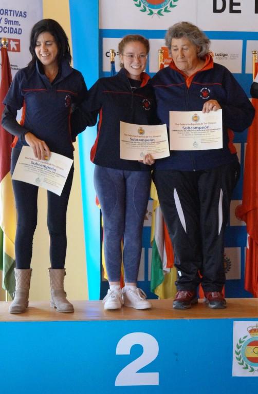 Equipo-Quijote-Azucena-Blanca-y-Olga_th